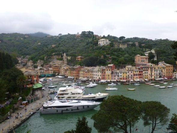 Den historiska hamnen i Portofino