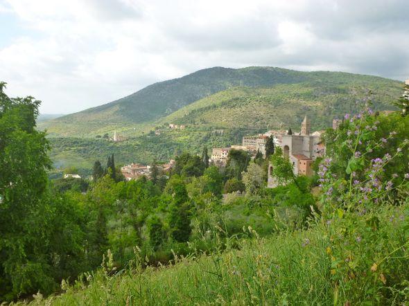 Utsikt från den gamla staden Tivoli sydost om Rom