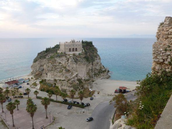 Utsikt från gamla stan i Tropea