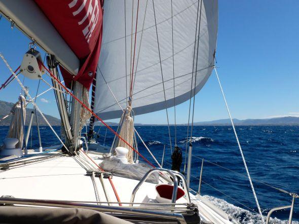 För segel mot Korintkanalen