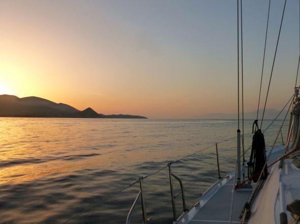 Vi lämnar Trizonia vid soluppgången