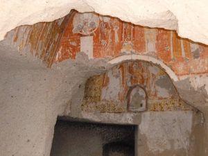 Målningar i grottkyrkan