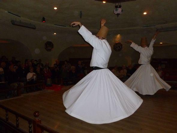 The whirling dervishes är en del av den turkiska kulturen