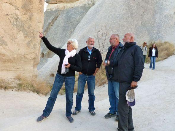 Agata, Frank, Svante och Håkan beundrar ...