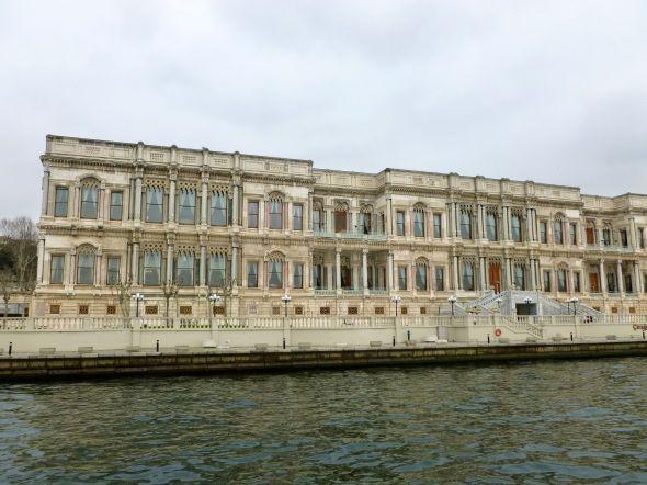 Ciraganpalatset - numera femstjärnigt Kempinskihotel