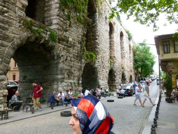 Folkliv vid Valens akvedukten