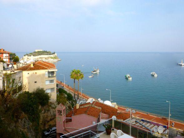 Utsikt från vår hotellbalkong i Kusadasi