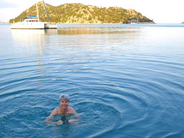 1 maj och årets första dopp för Nina i Gökkaya Limani