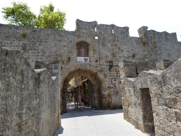 Ringmor runt medeltida staden