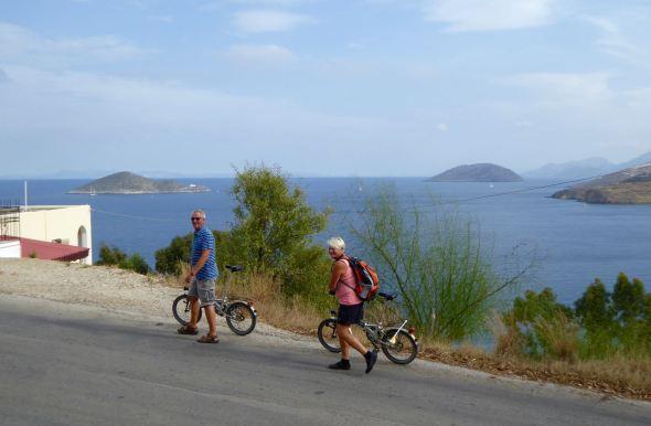 Thomas och Anette på cykel