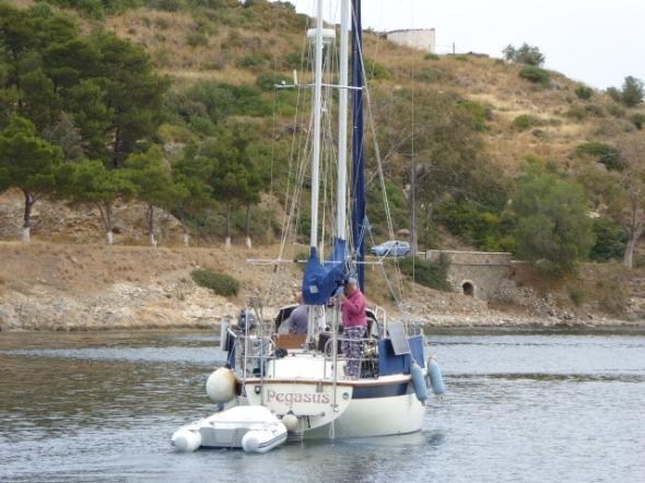 Ayfer Pegasus lämnar hamnen